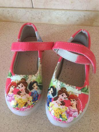 Продам новые туфельки(не подошёл размер).