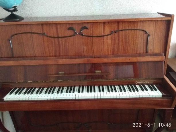 Віддам фортепіано