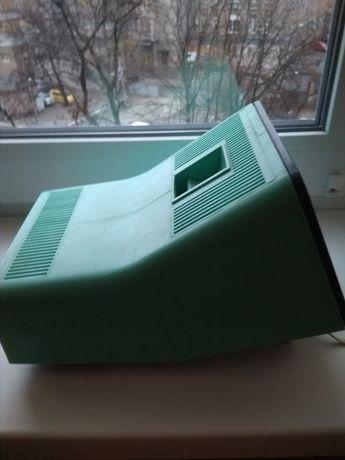 Подарок детям.Фильмоскоп со встроенным экраном, СССР