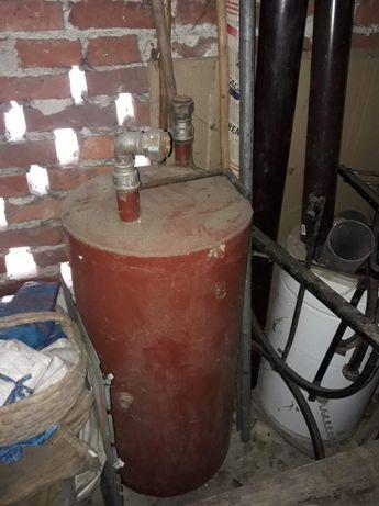 Zbiornik na wodę z podkowy