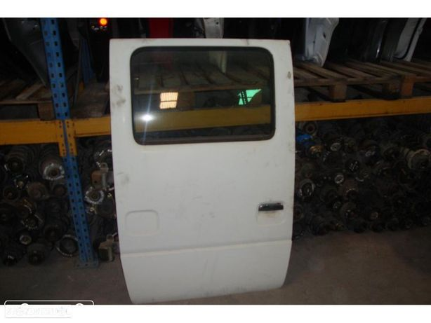 Porta lateral Nissan Cabstar F110