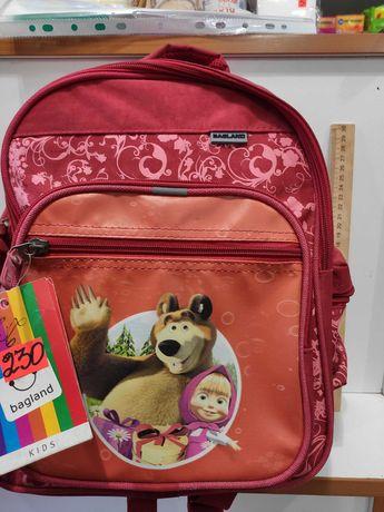 Рюкзак детский Маша и Медведь красный для девочек школьный портфель