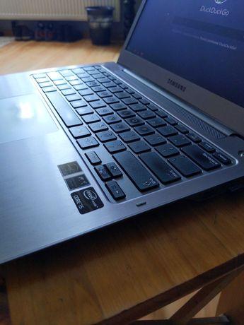 Laptop Samsung 13 cali   i5 2x 1.70GHz   4GB RAM   brak dysku twardego