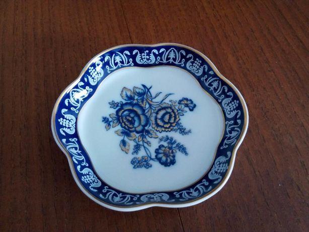 Loiças / porcelanas / peças de decoração variadas
