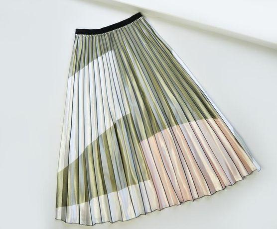 Актуальная юбка плиссе миди