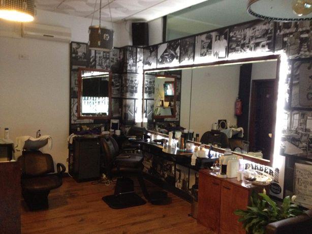 Alugo cadeira de barbearia em Santa Maria da Feira