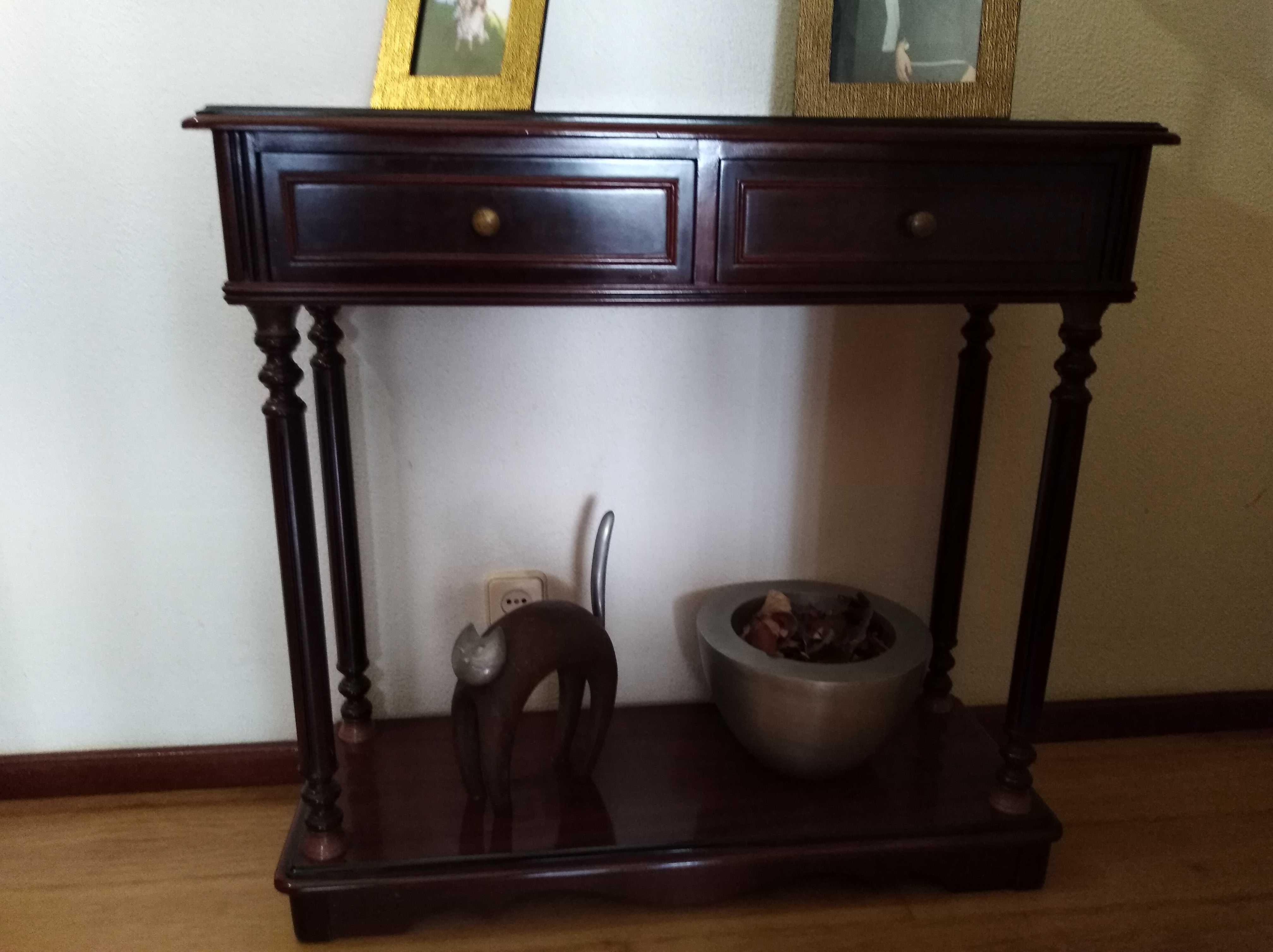 Armário e estante em madeira de Nogueira em bom estado