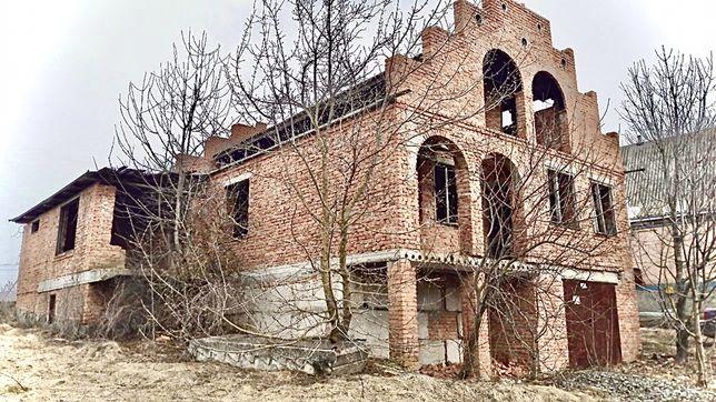 Будинок недобудований