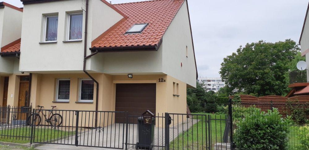 Zamienię szeregówkę na 4 -pokojowe mieszkanie w Środzie Śląskiej Środa Śląska - image 1
