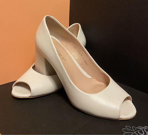 Туфлі 35розмір  виробник Польша