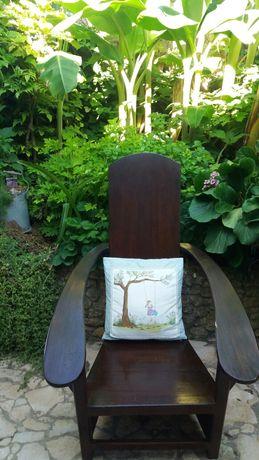 Cadeira antiga de recosto .em madeira