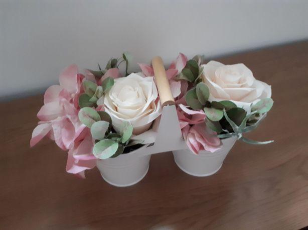 Kwiaty sztuczne ozdoba kompozycja metalowa doniczka z kwiatem