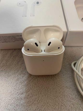 Apple Airpods 2 Наушники в идеальном состоянии