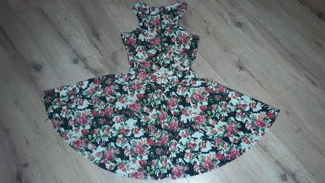 Sukienka w kwiaty rozmiar S