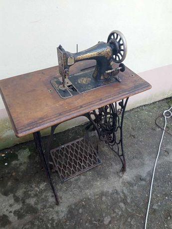 SINGER Stara maszyna do szycia na żeliwnych nogach - nogi na stolik