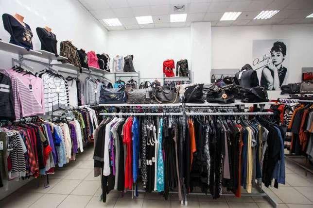 Торгове обладнання (торгові меблі) для магазину одягу/взуття або сумок