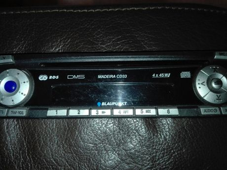 Painel Frontal AutoRadio Blaupunkt Madeira CD33