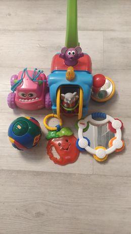 Пакет фирменных игрушек 2200руб