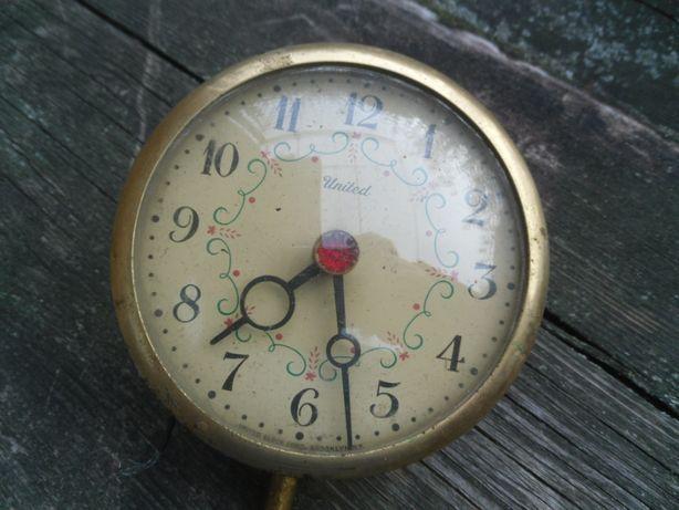 Часы электрические из США