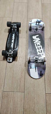 Vendo skates os 2 praticamente novos.