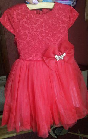 Нарядне плаття для дівчинки з болеро