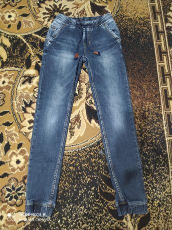 Продам джинсы на подростка