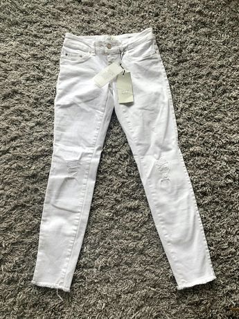 Only spodnie białe jeansy 27 x 30 S M nowe cena sklepowa 200 zł