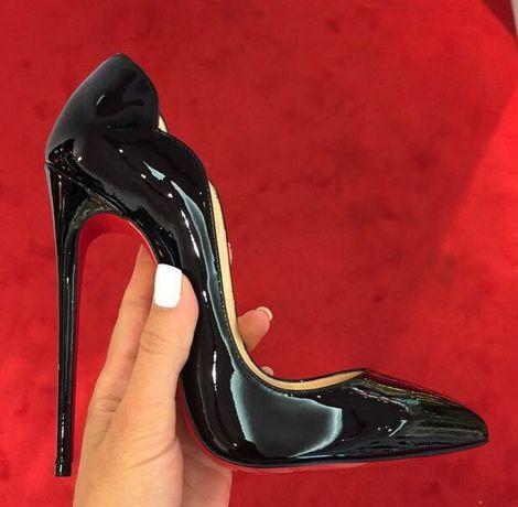 Женские черные туфли лодочки Лабутены Hot Chick Louboutin лаковые лак