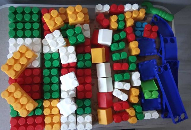 Конструктор блочный пластиковый для детей 1-3 года