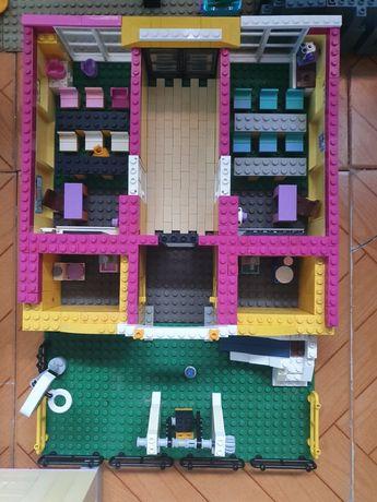 Escola lego com recreio