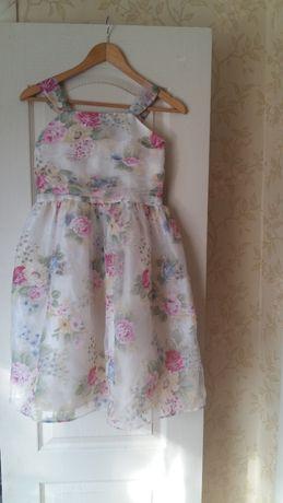 Нежное, очень красивое платье на девочку 11 лет TU