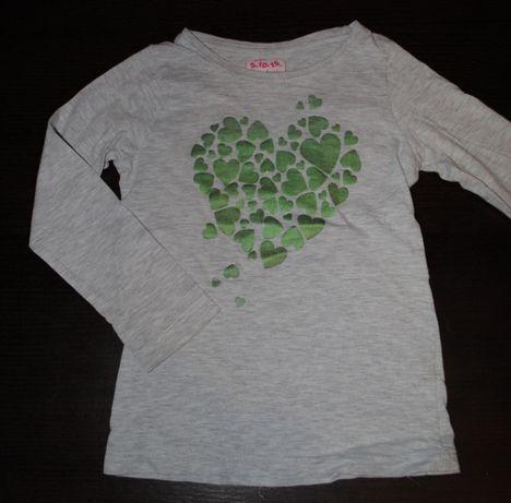 03-> szara bluzka z serduszkami 5.10.15 4-5Y r.110