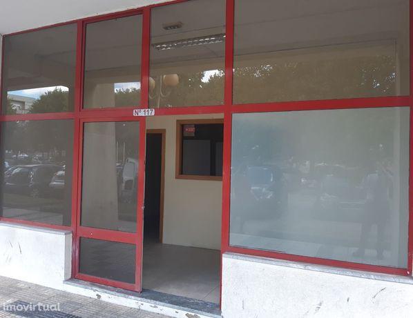 Loja com 40 m2 - ideal para Comércio e Serviços - próxima centro Braga