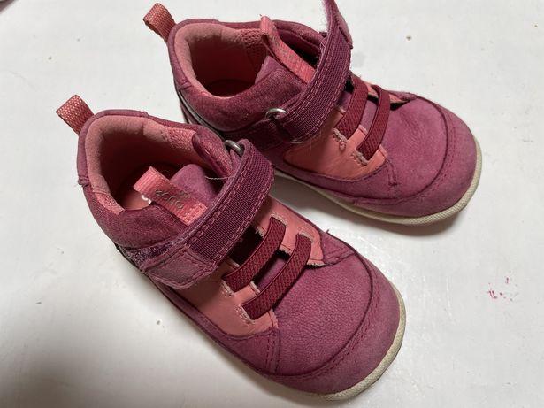 Продам ботиночки кроссовки екко Ecco