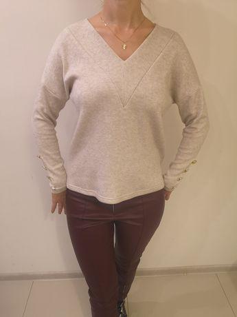 Sweter z guzikami Lenoshka