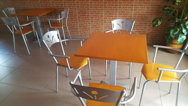 Mesas e cadeiras de Sala café/restaurante
