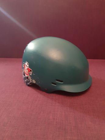 Шлем K2 для активных видов спорта.