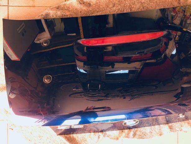 Klapa bagażnika BMW Z3 rok 1999-otwory do mocowania bagażnika BMW