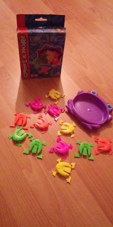 Gra zręcznościowa skaczące żabki. 5+