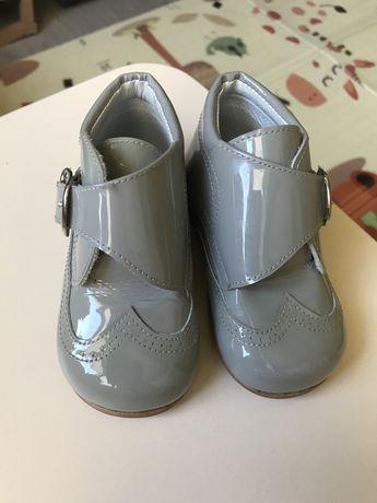 Ботинки,туфли,черевики,тапочки