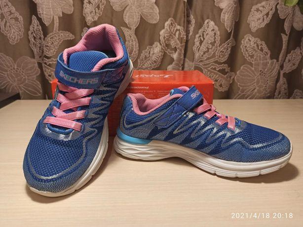 Кроссовки  Skechers для девочки  33,5р., БУ в отличном состоянии.
