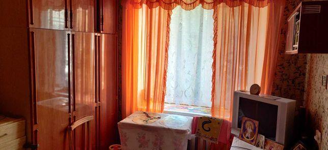 4 кімнатна 2 поверх С.Крушельницької. Цегла