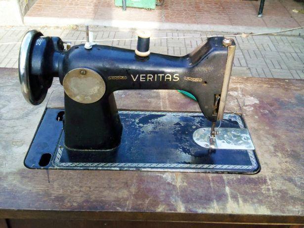 Ножная швейная машинка veritas