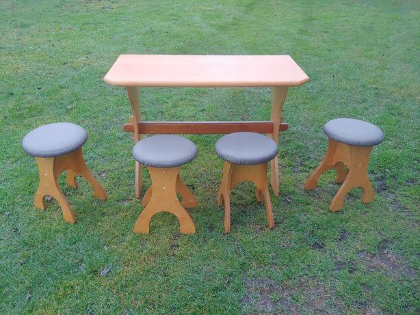 Stół + taborety 4 szt