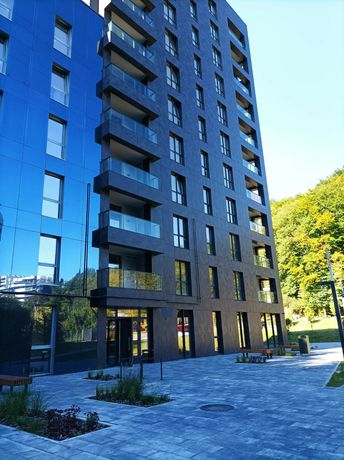 Продаж просторої  квартири бізнес-класу • в парковій зоні