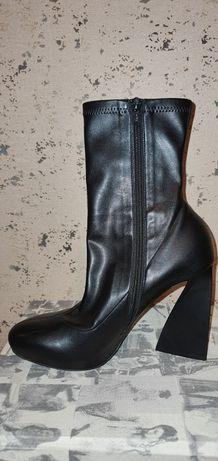 Стильные кожаные боты Stella McCartney