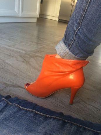 Продам стильные ботиночкм