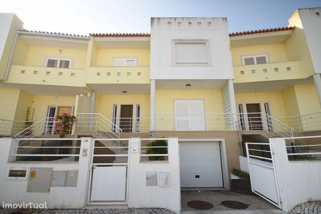 Moradia em Banda V4 em Vila Franca de Xira com Garagem com 130 m2