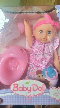 Baby doll, соска, писяет, закрывает глаза, горшок