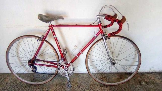 Bicicleta de ciclismo vintage Reynolds 521 competição